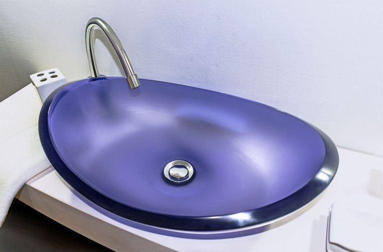 lavamanos modernos hechos a mano modelo uretano optica tanzanita
